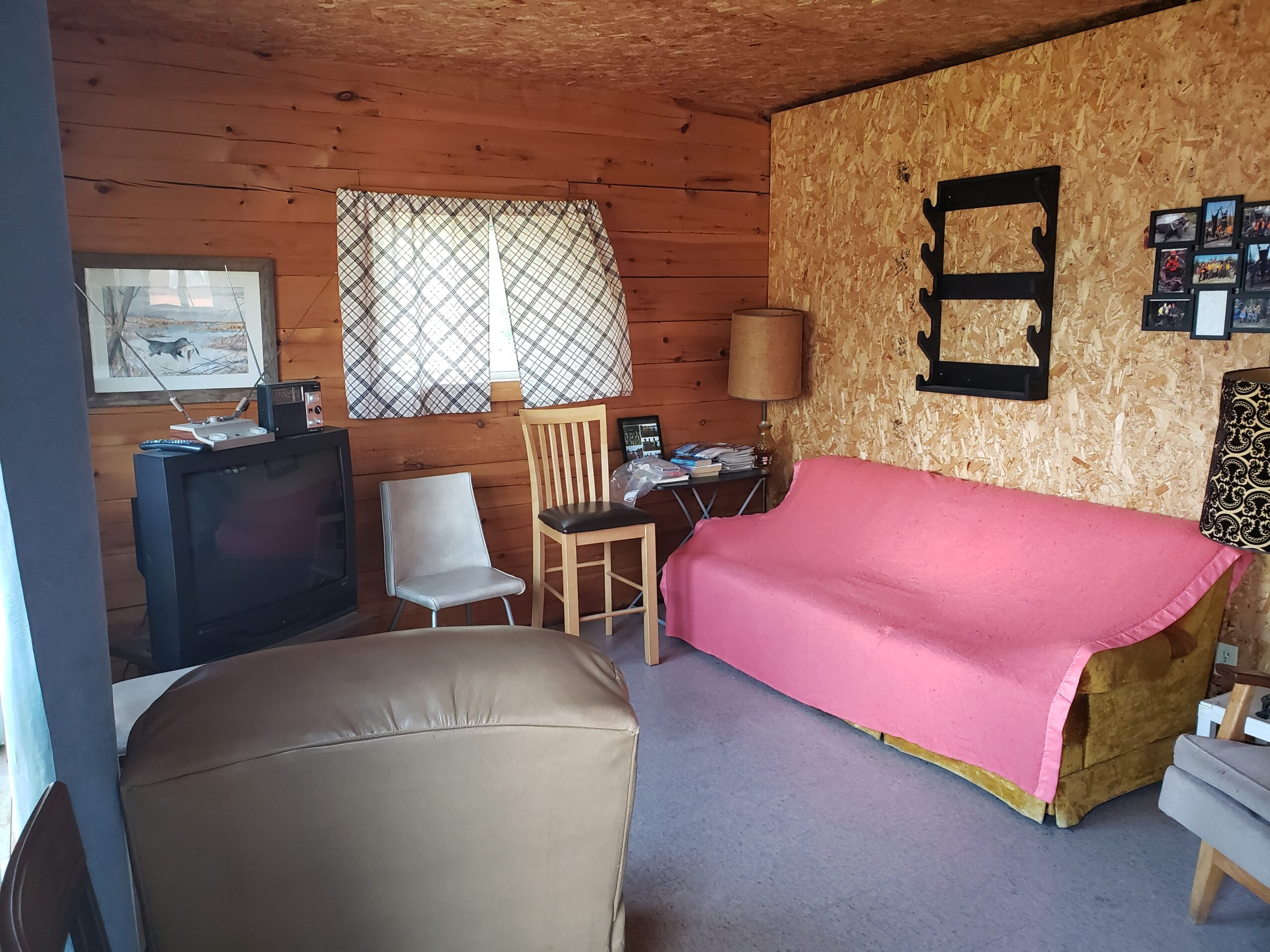 Lynx-Cabin-Living Room-Trappers Point Camp-Savant Lake-Ontario