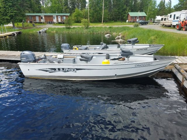 Deluxe Boat-Side-Trappers Point Camp-Savant Lake-Sturgeon Lake-Ontario
